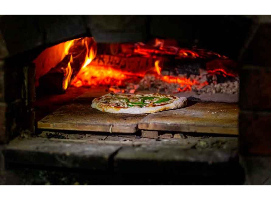 Descubre las ventajas de un horno de leña listo para usar